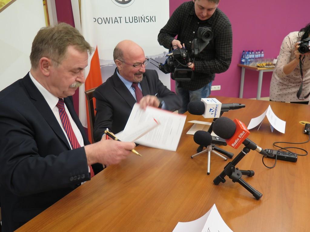 Porozumienie z powiatem w sprawie remontów dróg