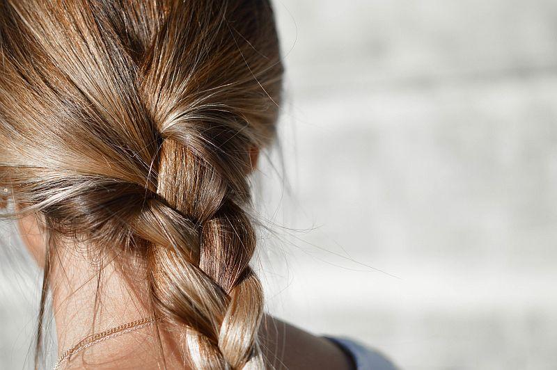 Zagęszczanie włosów - sposoby na bujną czuprynę