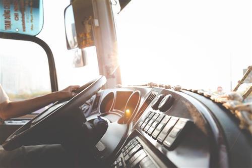 Jak zostać kierowcą zawodowym?