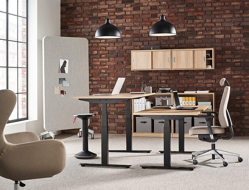 Ergonomiczne i aktywne wyposażenie biura to nie tylko krzesła biurowe